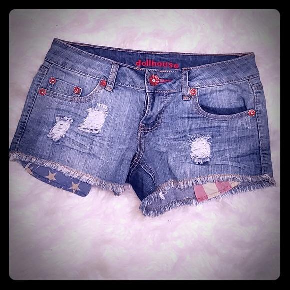 Dollhouse Pants - Distressed jean shorts
